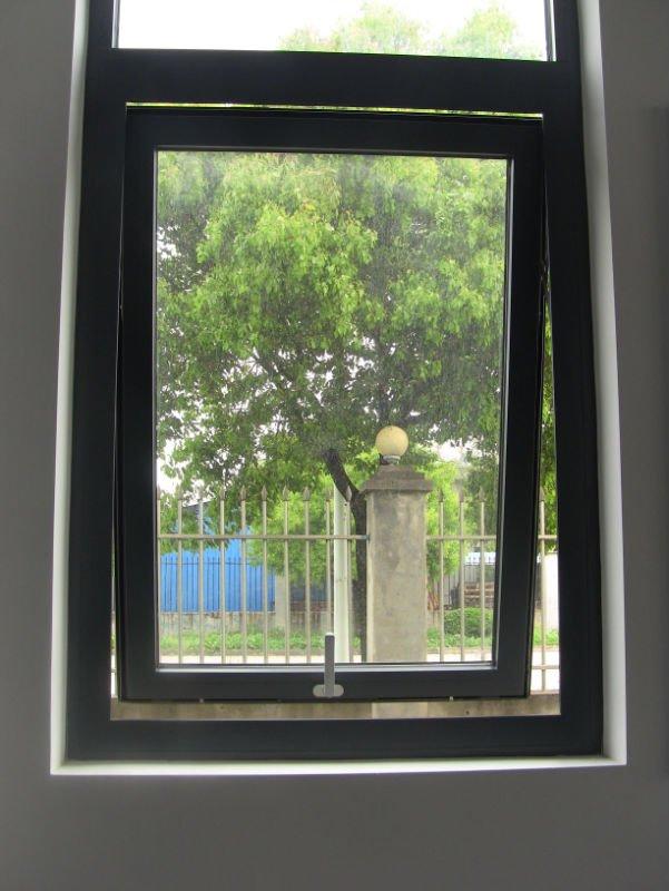 Casement windows q one for Best casement windows