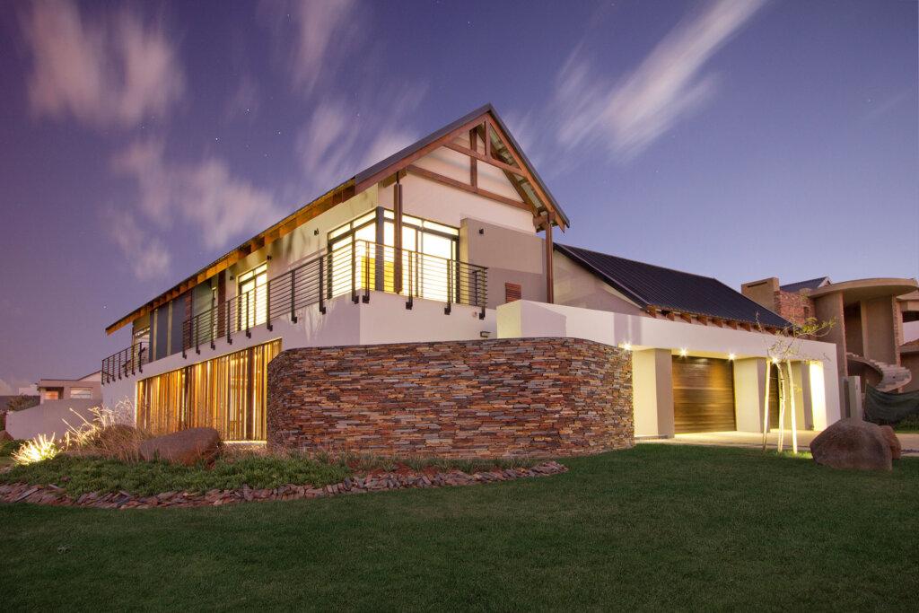 house-with-aluminium-windows-and-doors