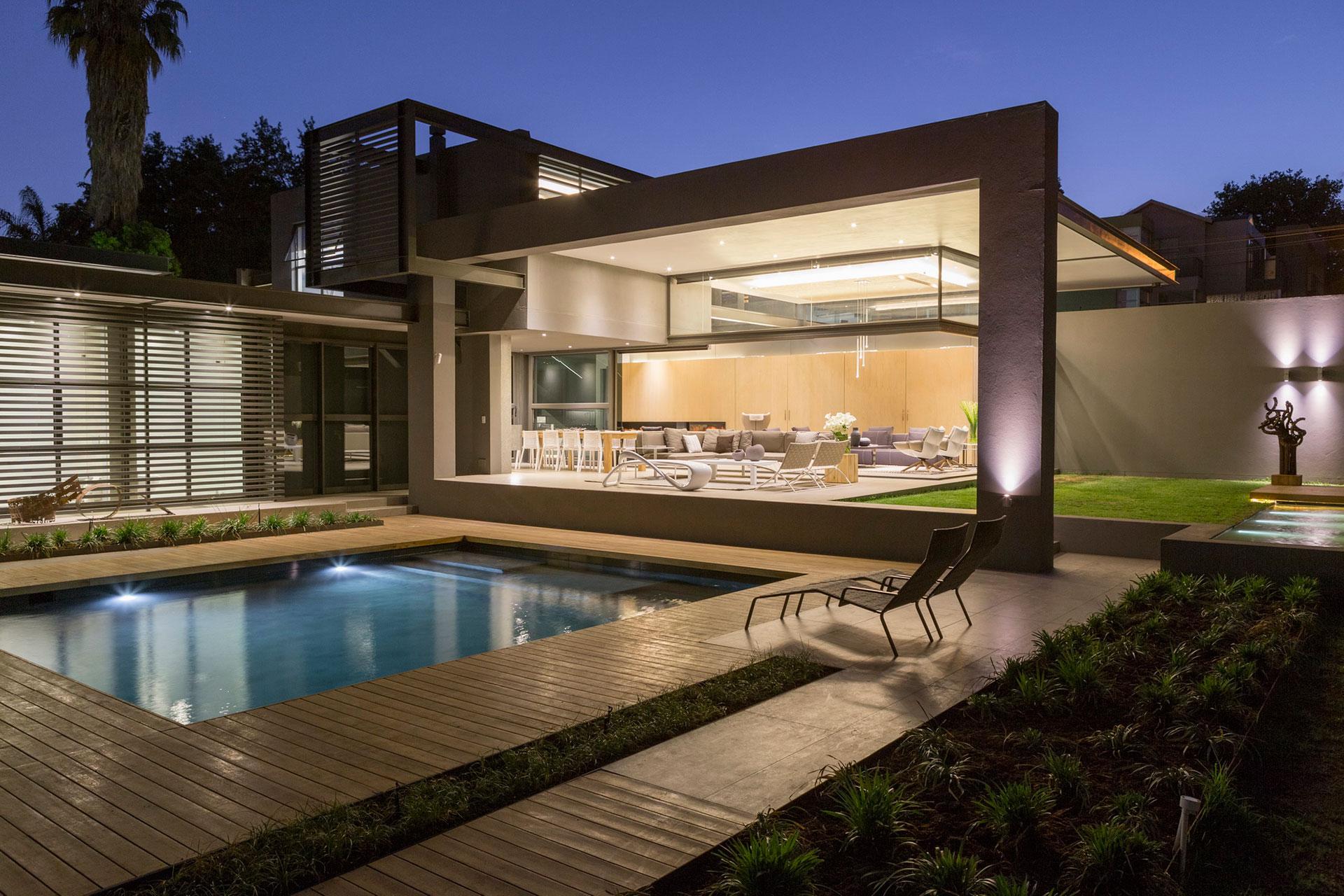 patio-aluminium-skylight-windows-and-doors
