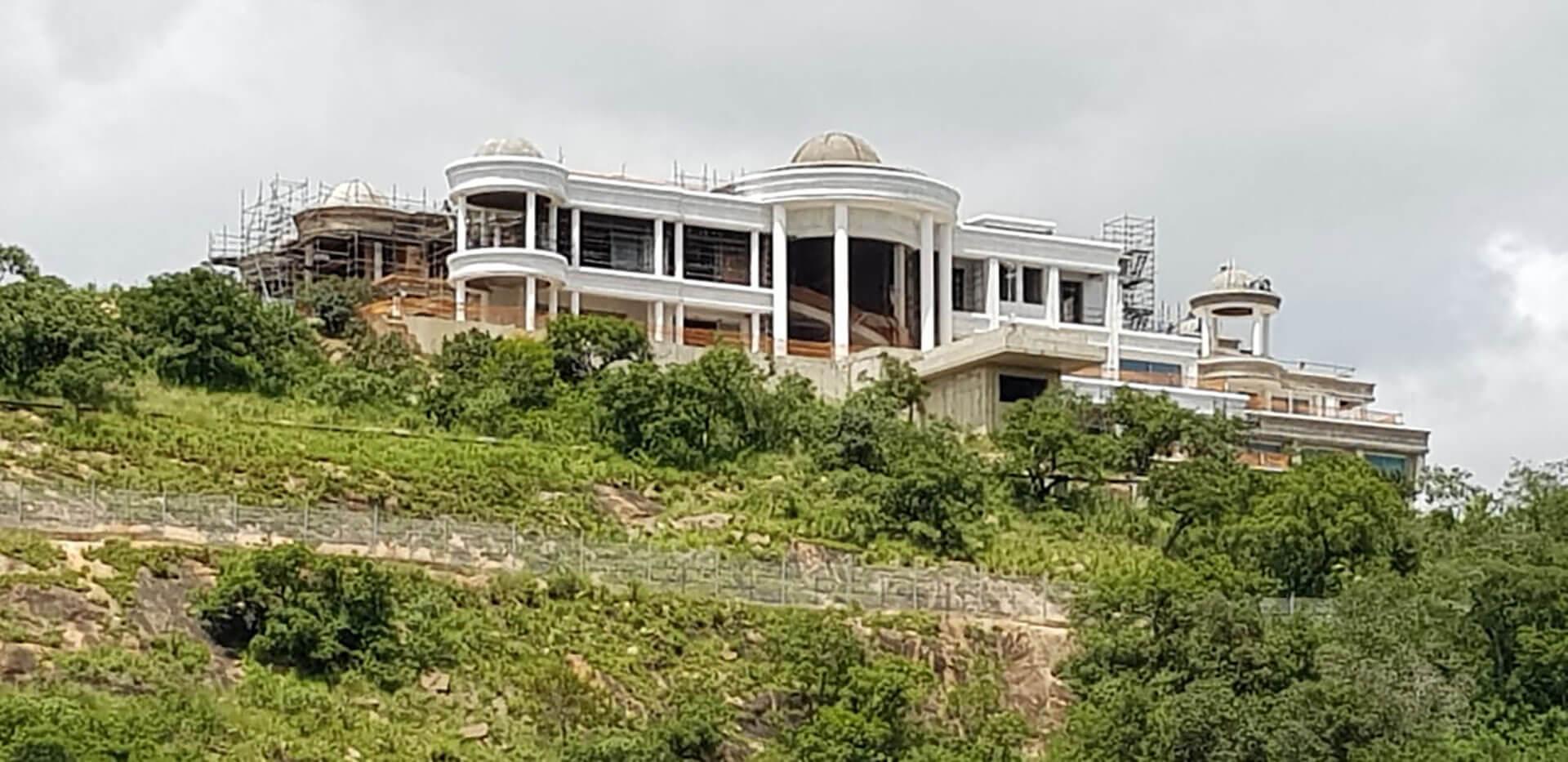 nicha mansion
